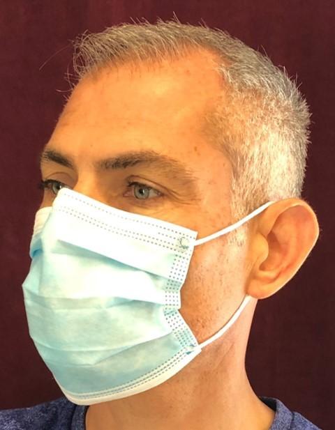 port du masque chirurgical